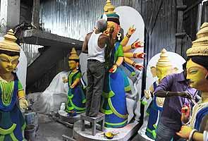preparing Durga deities