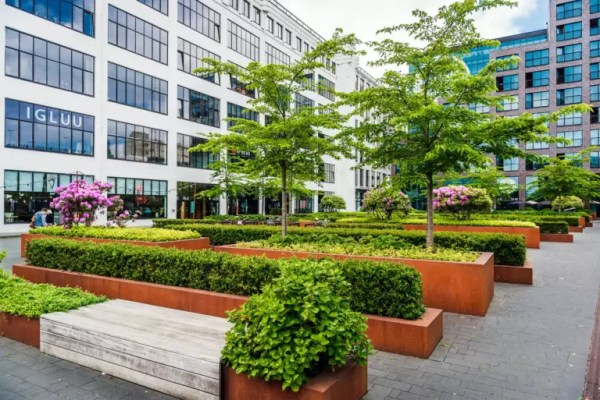 commercial landscaping peterborough