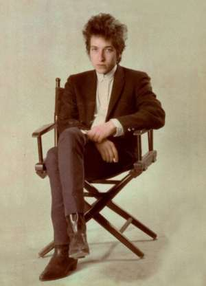 WAA: posed publicity photo of Bob Dylan in 1965.