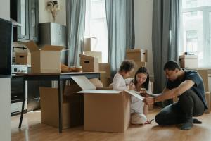 boxes apartment relocation