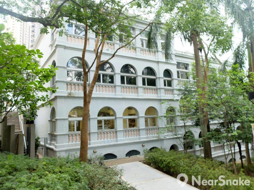 香港視覺藝術中心(卡素樓): 香港公園內一級歷史建築 推動視覺藝術發展 | NearSnake.com