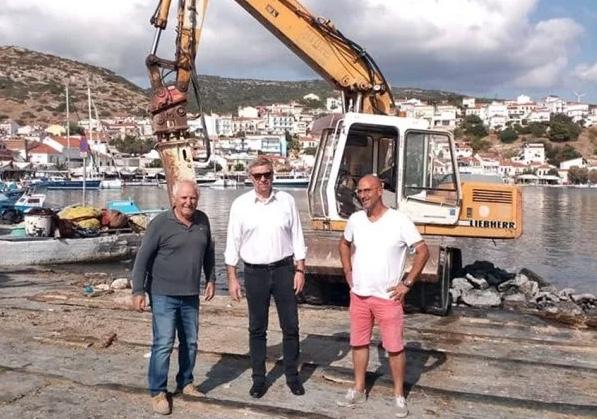 Ξεκίνησαν οι εργασίες επισκευής της ράμπας των αλιέων στο Πυθαγόρειο