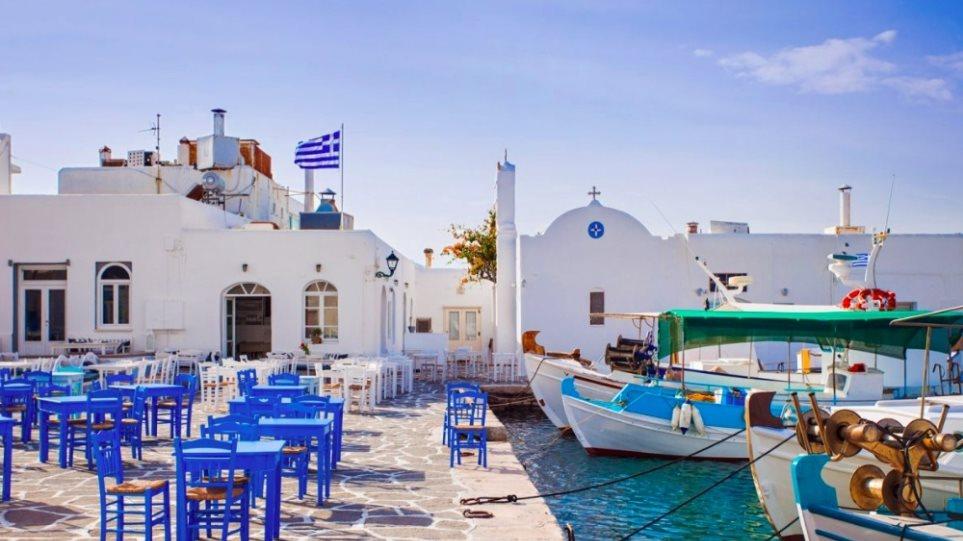 Sun: Εκτός βρετανικής «πράσινης» λίστας τα ελληνικά και ισπανικά νησιά