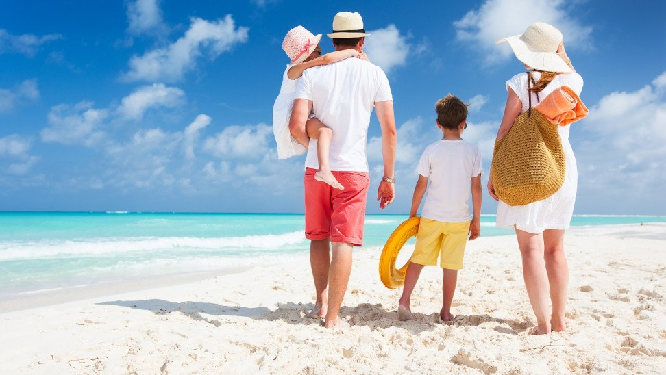 Κοινωνικός τουρισμός: Aνοίγει η πλατφόρμα για τα 300.000 voucher – Τα κριτήρια και η διαδικασία
