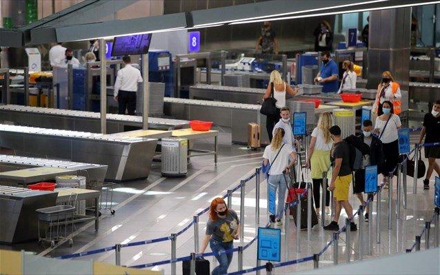 Πτήσεις εσωτερικού: Από 4 ετών απαραίτητο το αρνητικό self test