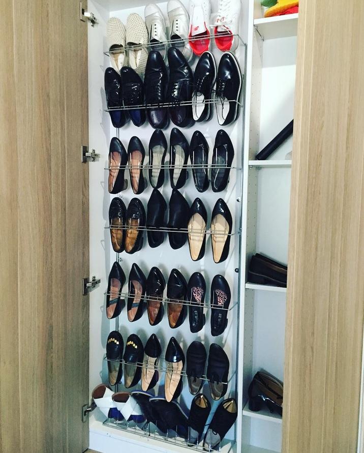 vertical-cabinet-rack