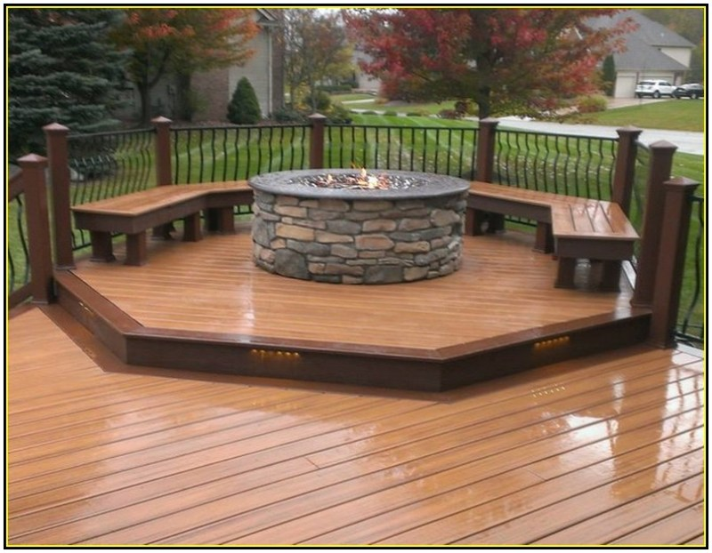 woden deck with fire pit