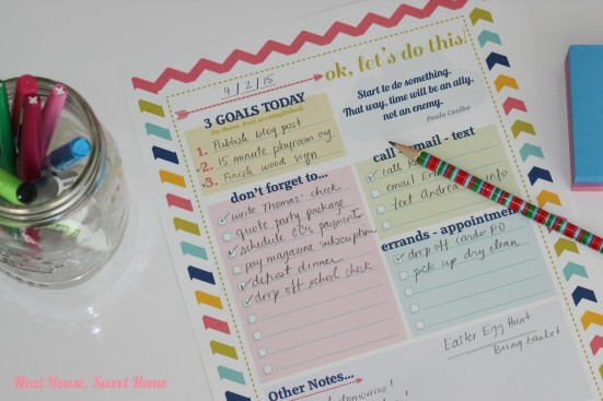 Setting Daily Goals - Organize Your Day with a Free Printable!