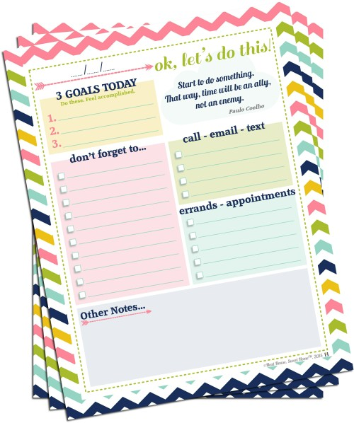 Declutter your mind with this free printable weekly brain dump sheet. Download also for free a matching master to-do list!