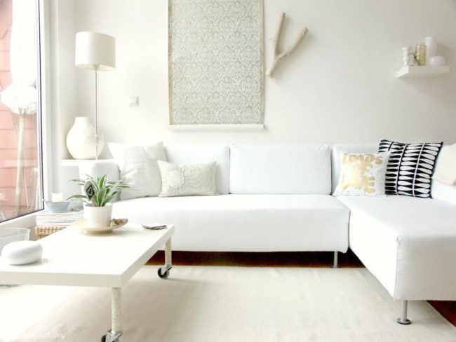 Monochromatic Décor | Tips and Tricks