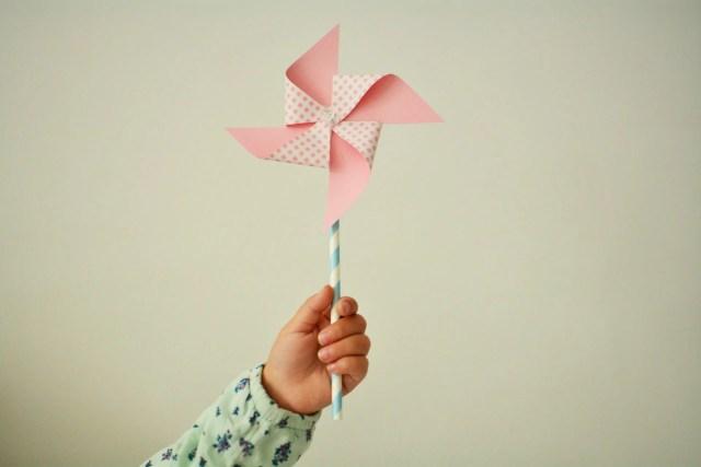 wiatrak z papieru