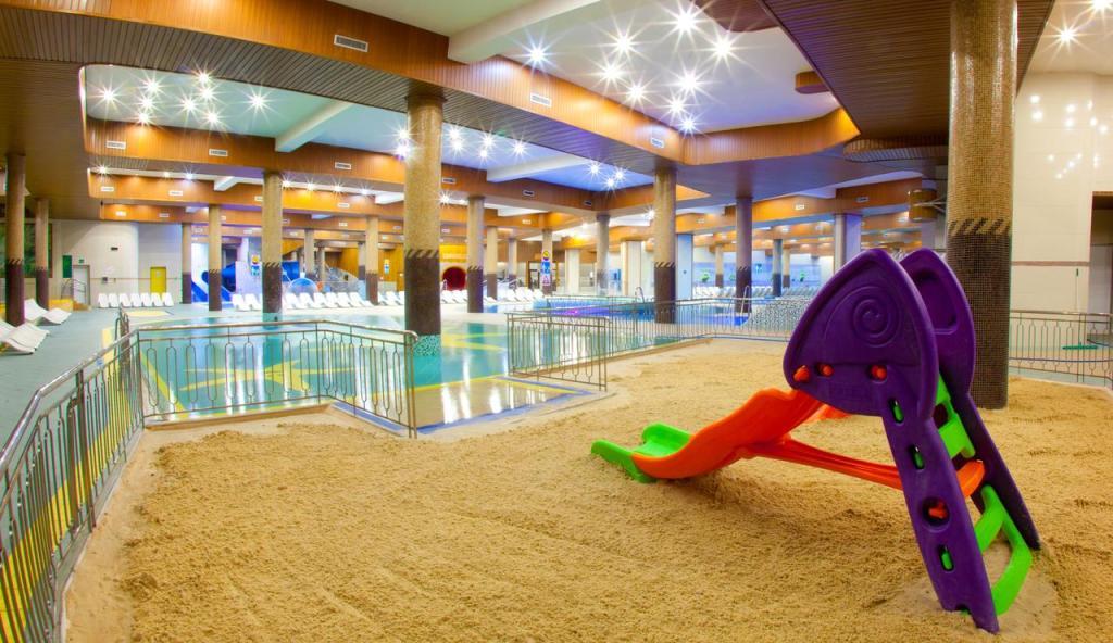 Hotel Gołębiewski Karpacz - basen z brodzikiem dla dzieci