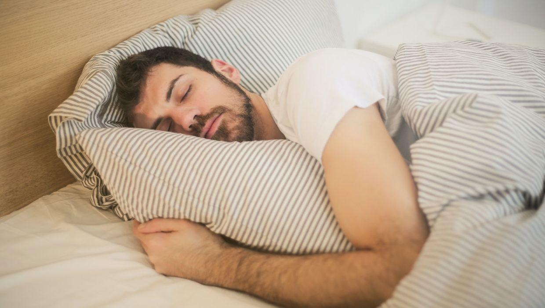 best knee pillows for side sleeping men