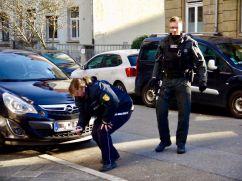 Die Polizei stellt die Reste des Feuerwerkskörpers sicher | Foto: privat