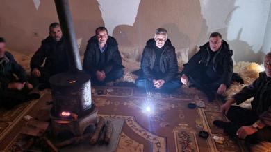 Photo of Xhemal Gjunkshi ulet këmbëkryq me hallet e dibranëve