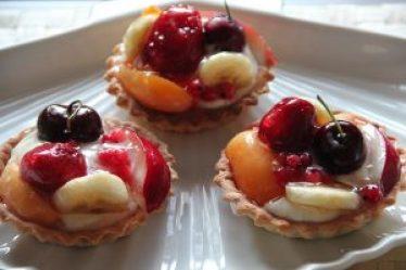 Meyveli Minik Tartlar - Kek Tarifleri