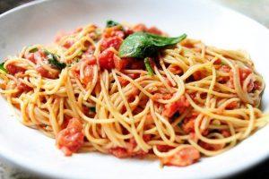 soslu-spagetti-makarna