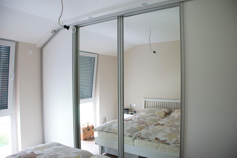 Wohnzimmer Schlafzimmer und Garderobe