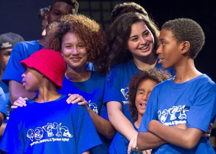Ford comparte la misión de PATH para inspirar a los jóvenes a través de la música y está apoyando esta causa a través de Voces de SYNC
