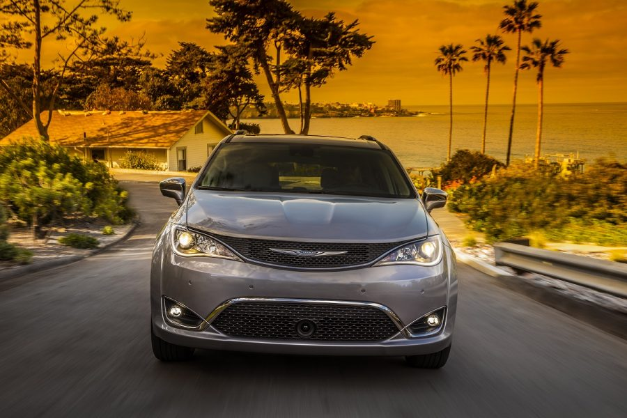 2017_Chrysler_Pacifica_Limited
