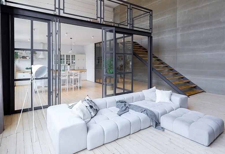 Ti faccio vedere degli esempi un grande divano componibile in base alle esigenze del momento permette di vivere a 360° l'ambiente del soggiorno, senza perdere contatto con chi si trova. 10 Idee Per Dividere Cucina E Soggiorno