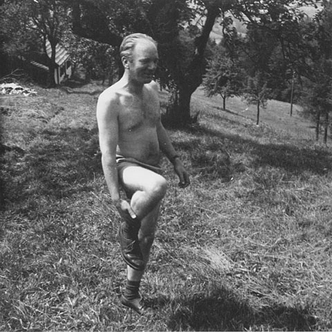 shirtless Thomas Bernhard, our favorite Austrian misantrope hilarity man
