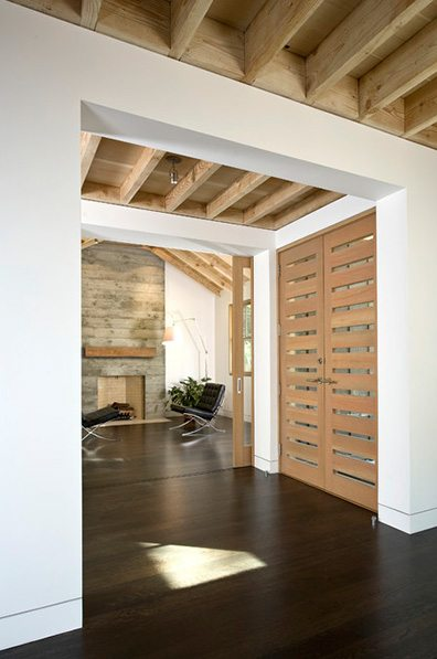 Rough versus smooth, or raw versus finished, from San Francisco's Arcanum Architecture. Photo from houzz.com