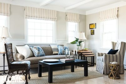 Casual yet elegant was the desired vibe in the living room, where a neutral palette reflects the natural beauty of sand, sea, and sky outside the windows.