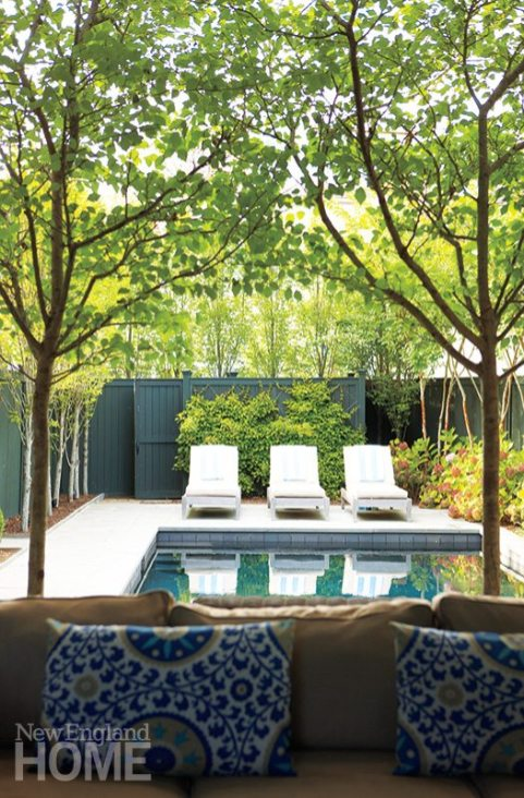 Plantings make the pool area so private, guests never notice a busy restaurant sits just next door.