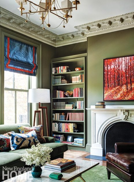 Colorful apartment for empty nesters