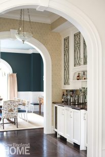 The home's original archways are echoed in the butler's pantry.