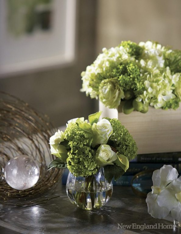 Cream and green bouquets are perennial favorites.