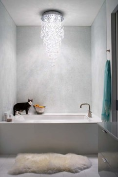 Jeanne Duval master bathroom