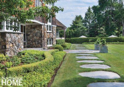Jamestown Shingle Style Pathway
