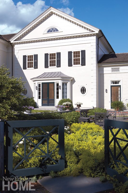 Litchfield County Neoclassical Chippendale-Style Gates