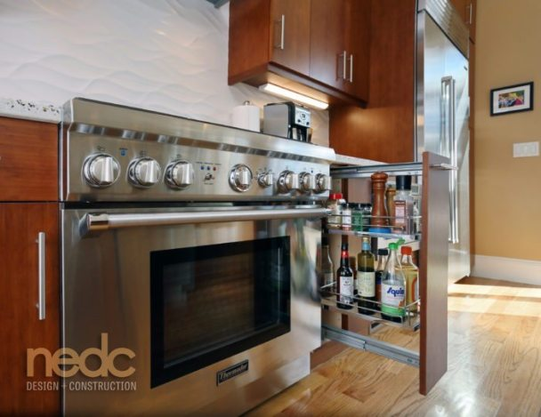 Kitchen Trends: Pull Out Cabinet Storage