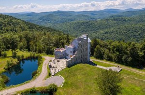 Luxury real estate central Vermont exterior
