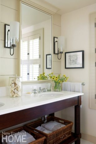 Chappaquiddick Shingle Cottage Guest Bathroom