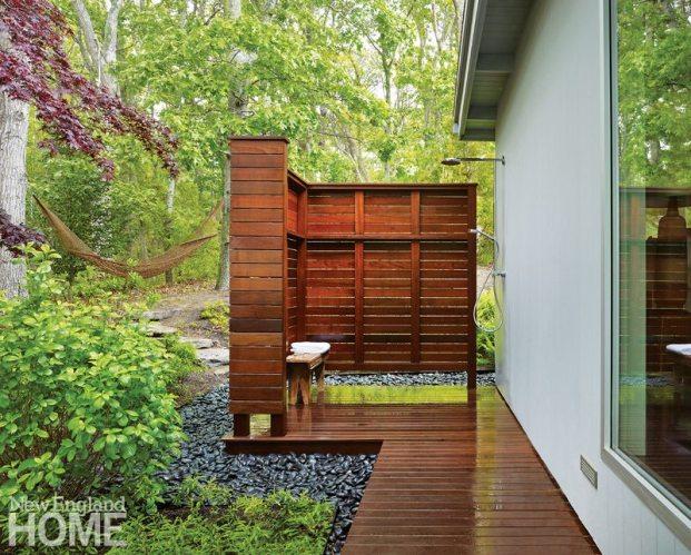 Midcentury Modern Outdoor Shower