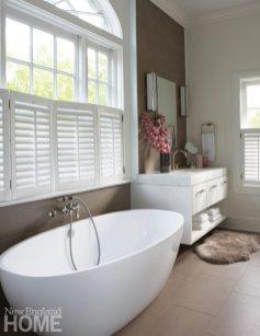 Brooks & Falotico New Canaan bathroom