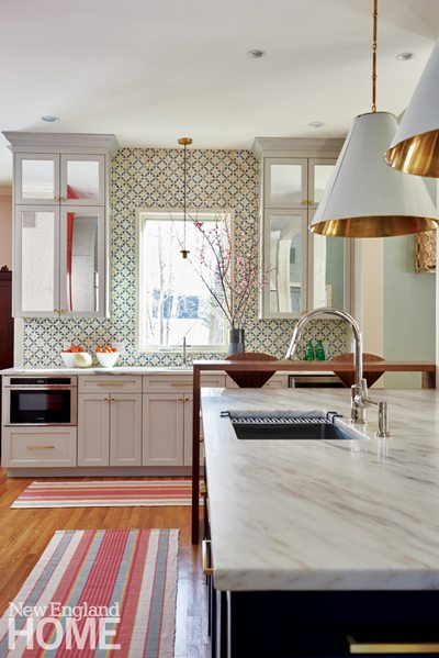 Kitchen with mosaic backsplash