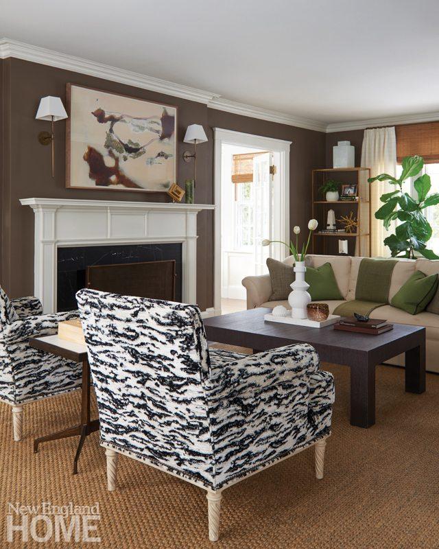 Living room with dark walls Phoebe Lovejoy