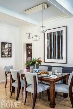 Casual dining area with banquette