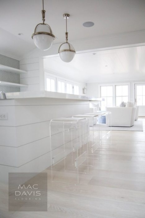 Beach homes need to stand up to sand, sun, and heavy traffic. Engineered flooring can stand up to this hardy use.