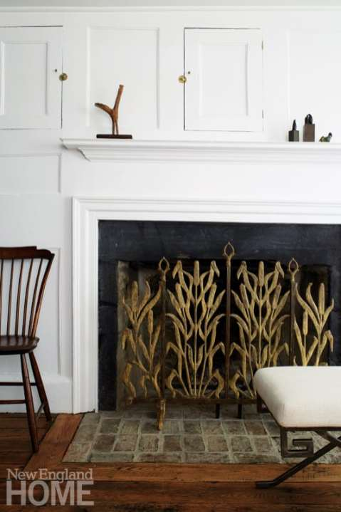 Ornamental cattail firescreen