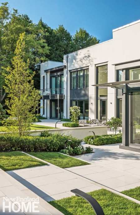 Contemporary exterior Brookline home designed by Marcus Glysteen Architects