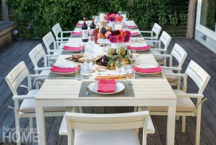 Jamestown Island outdoor dining