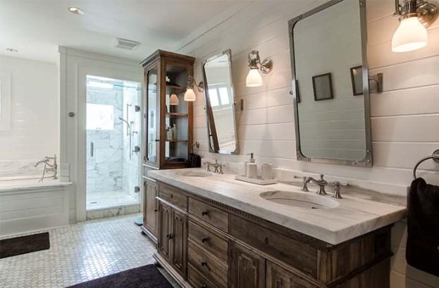 700x460 Bathroom7