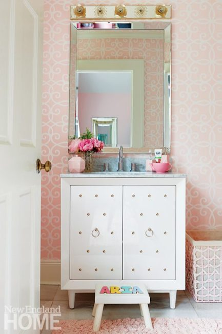 Andrea Sinkin Greenwich Home child's bathroom