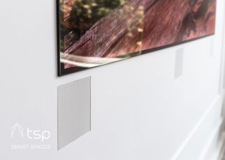 Speakers in smart homes are often invisible or blended into the wall so that the technology remains discreet while providing immersive experiences.